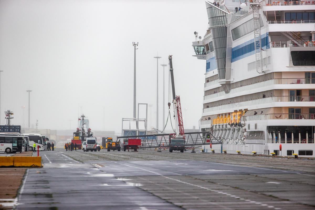 Cruiseschip Aidamar lag even in quarantaine in de Zeebrugse haven.