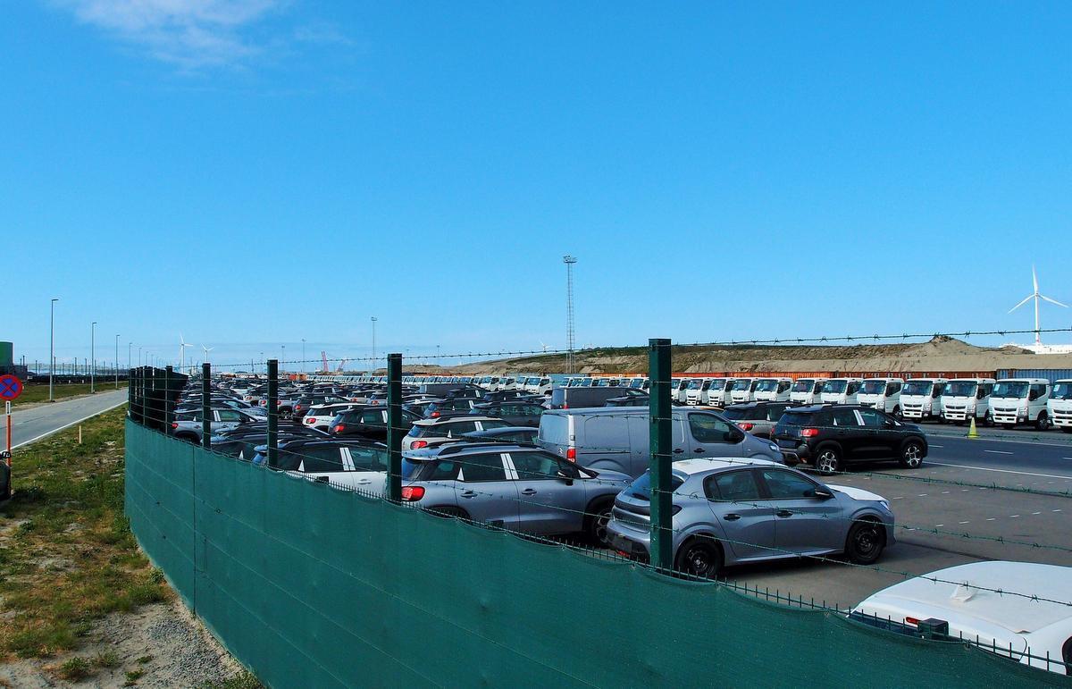 Volle parkings bij ICO.