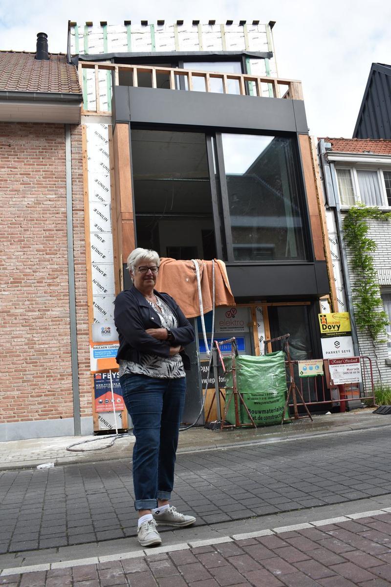 Ida Donckels wil samen met haar man Patrick oud worden in haar 'moordhuis'. (LK)
