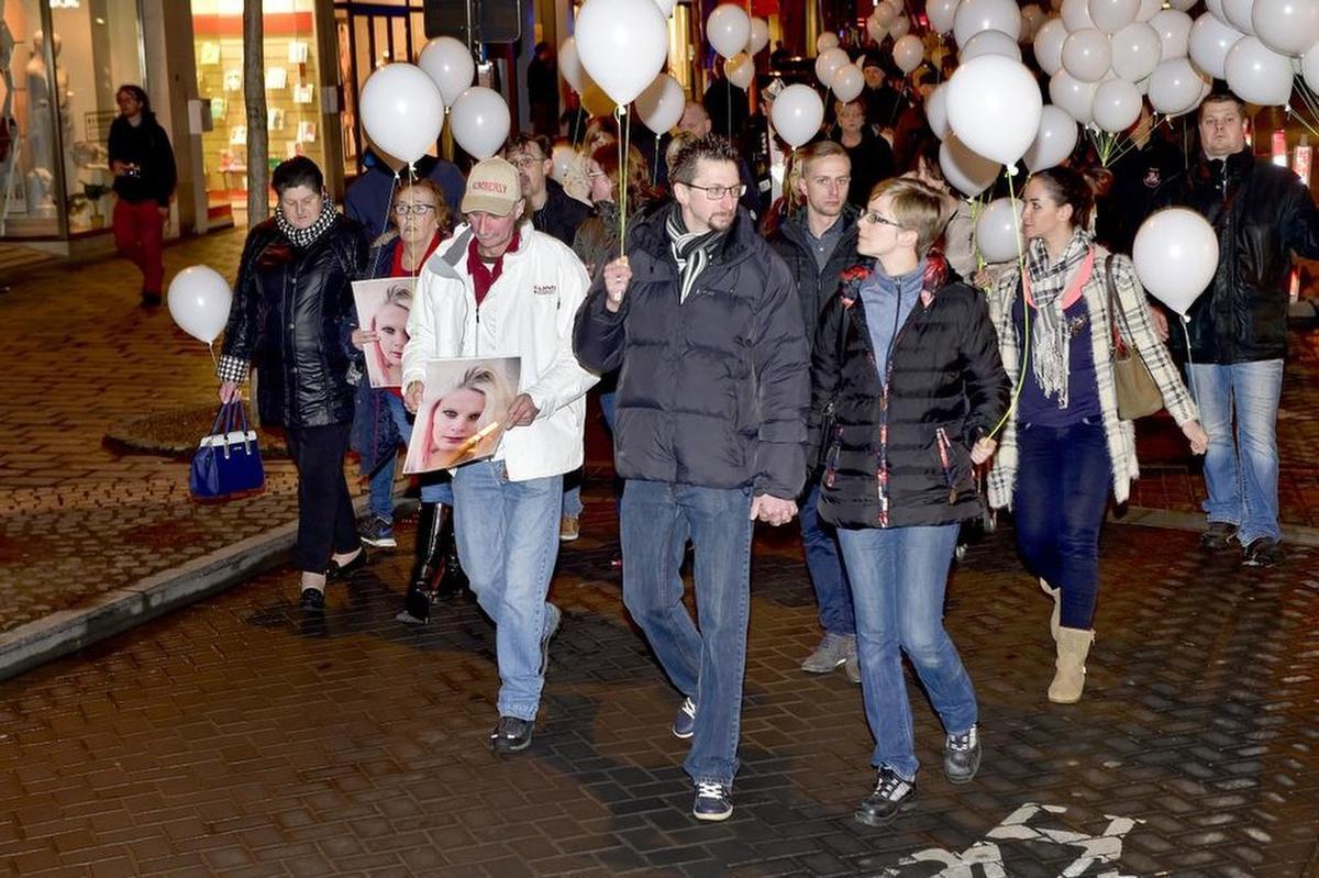 Na de dood van Kimberly werd een stille mars tegen partnergeweld georganiseerd. (a-SB)