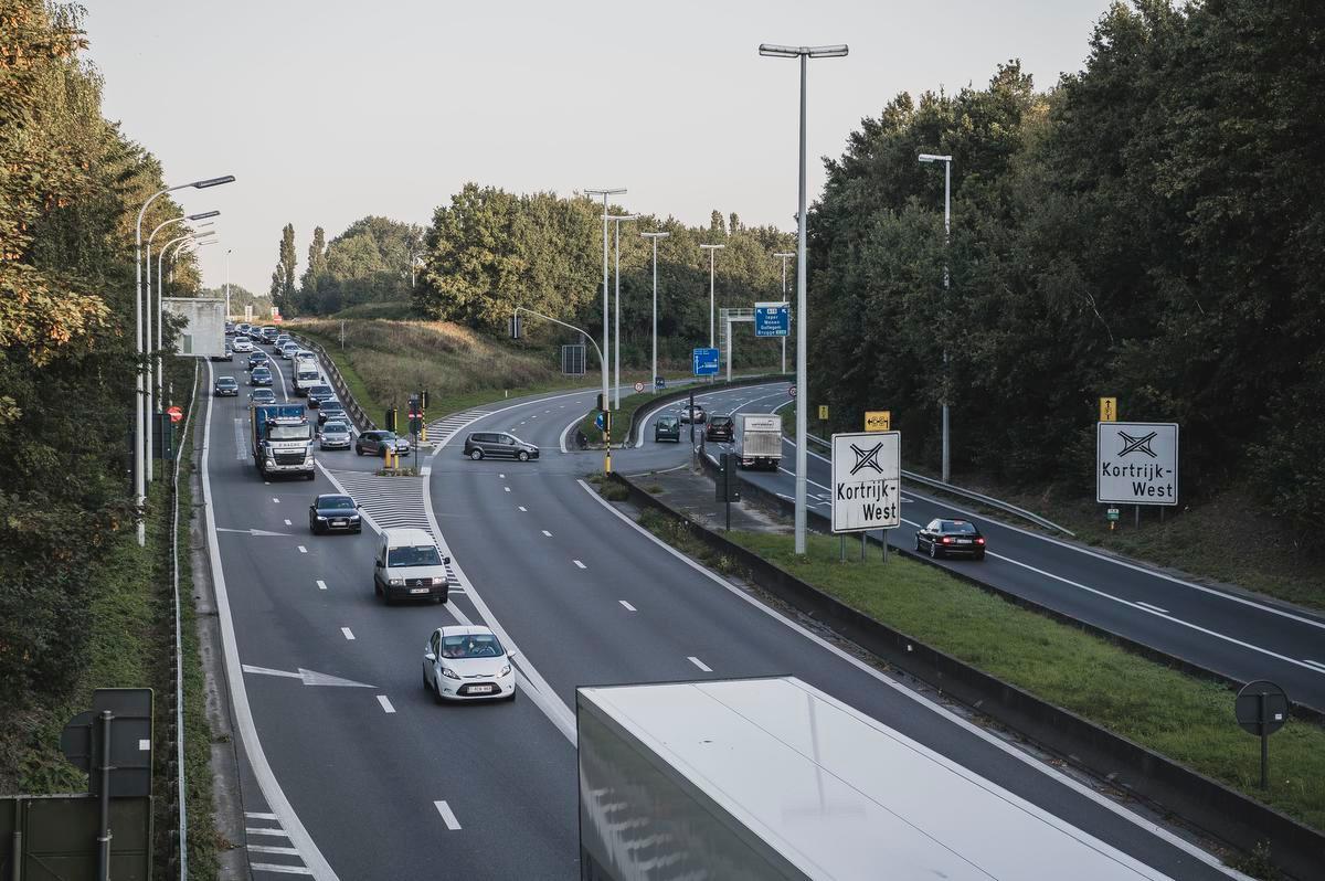 Het knooppunt Kortrijk-West, bijgenaamd De Put in Kortrijk.