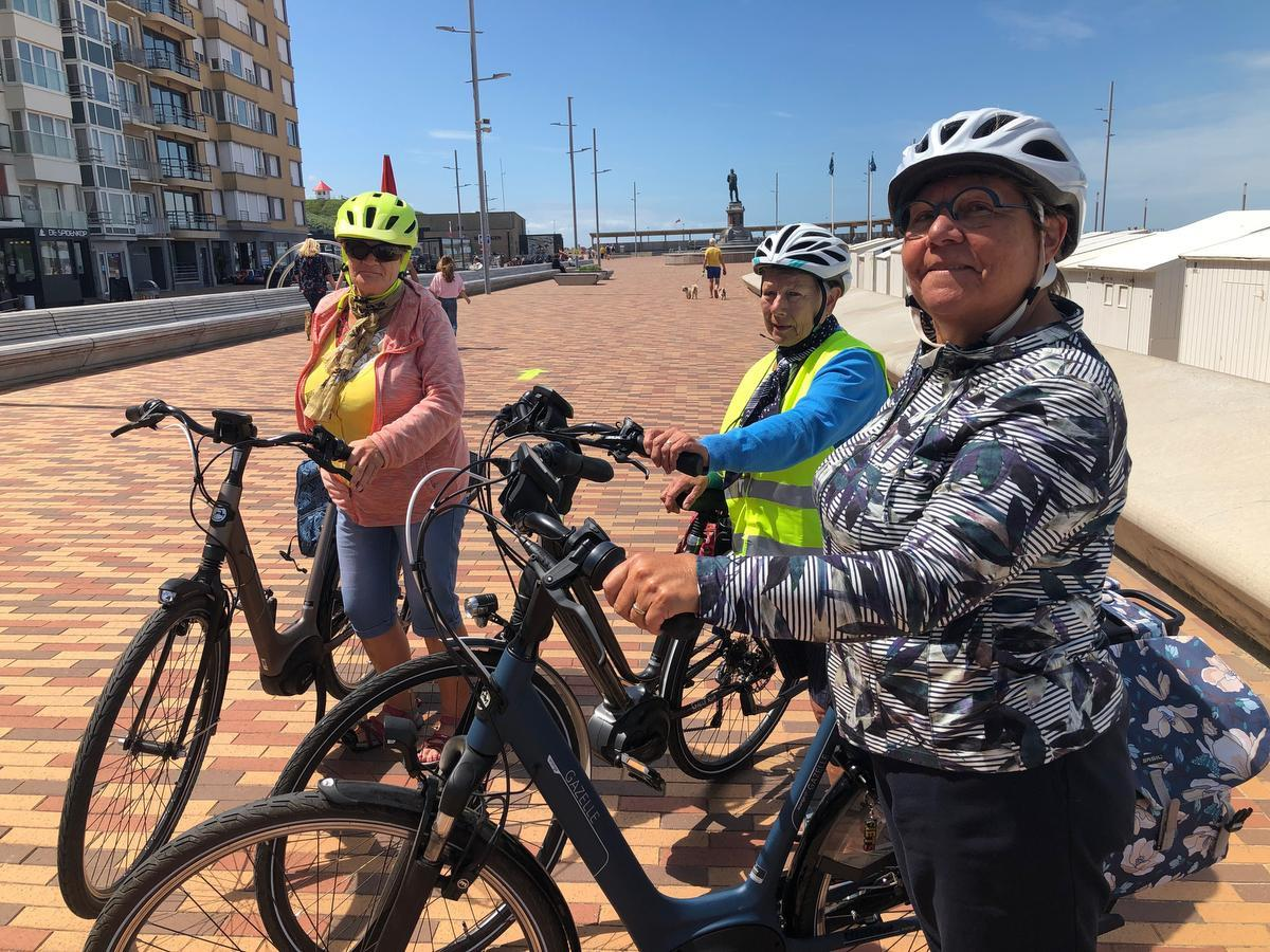 Wilfrieda Dewulf, Monique Cappelle en Greta Capelle zijn fervente fietsers.