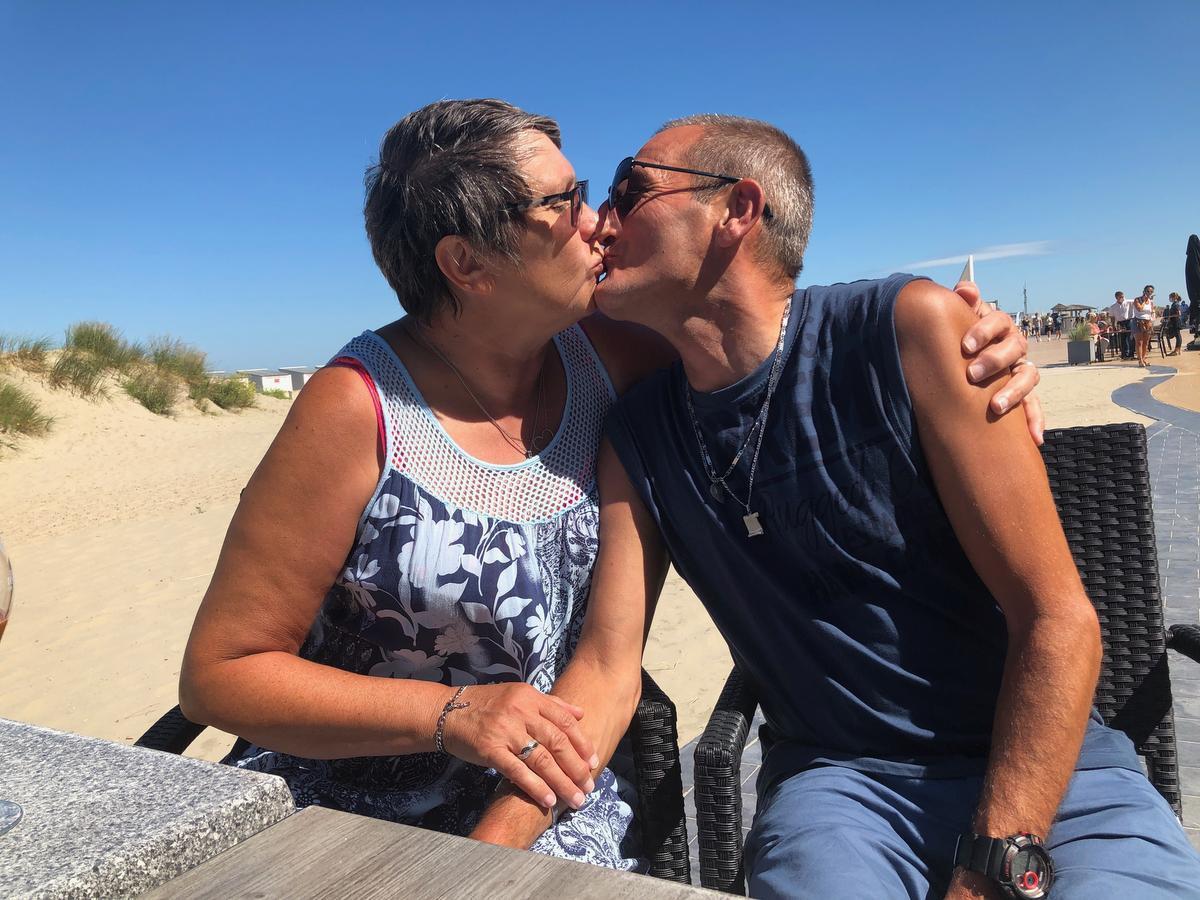 Viviane Kerkhove en Dirk Debel leerden elkaar via het internet kennen, nadat ze beiden hun partner verloren.