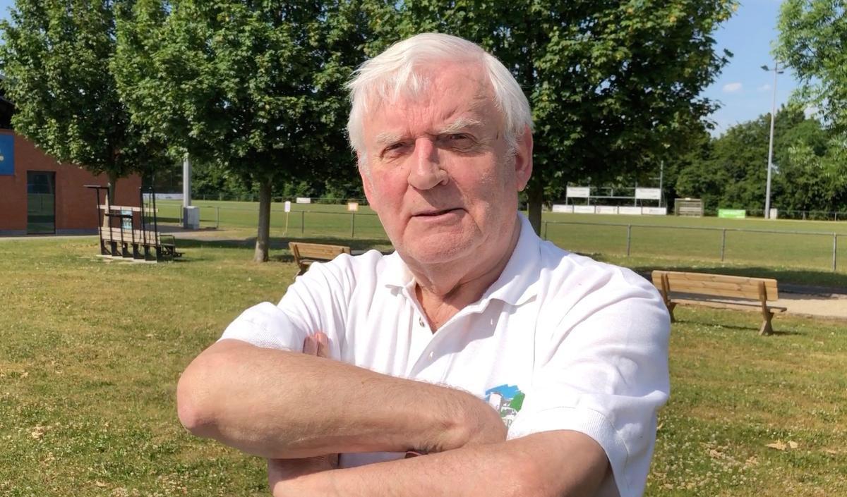 Burgemeester Dirk Walraet (76):