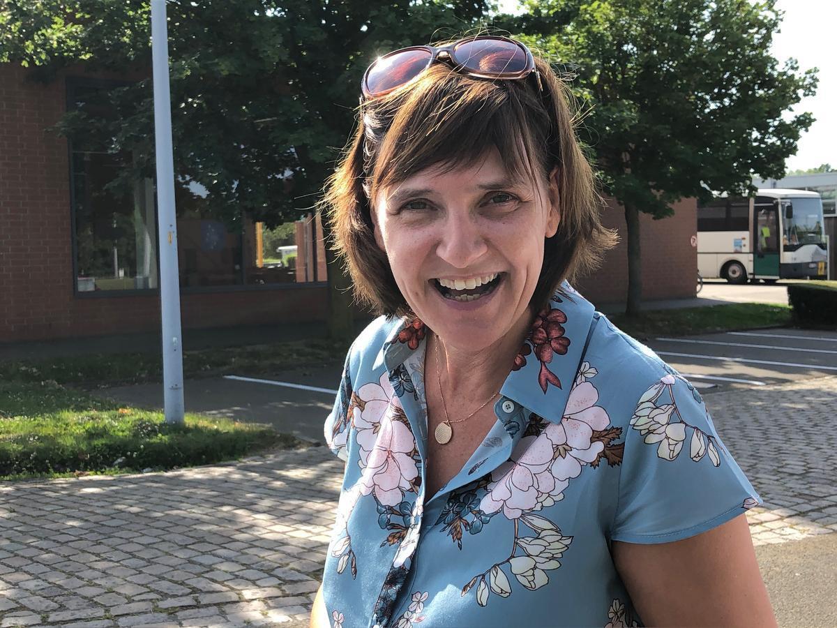 Dorine Gruwier geeft al jaren les in het basisschooltje.