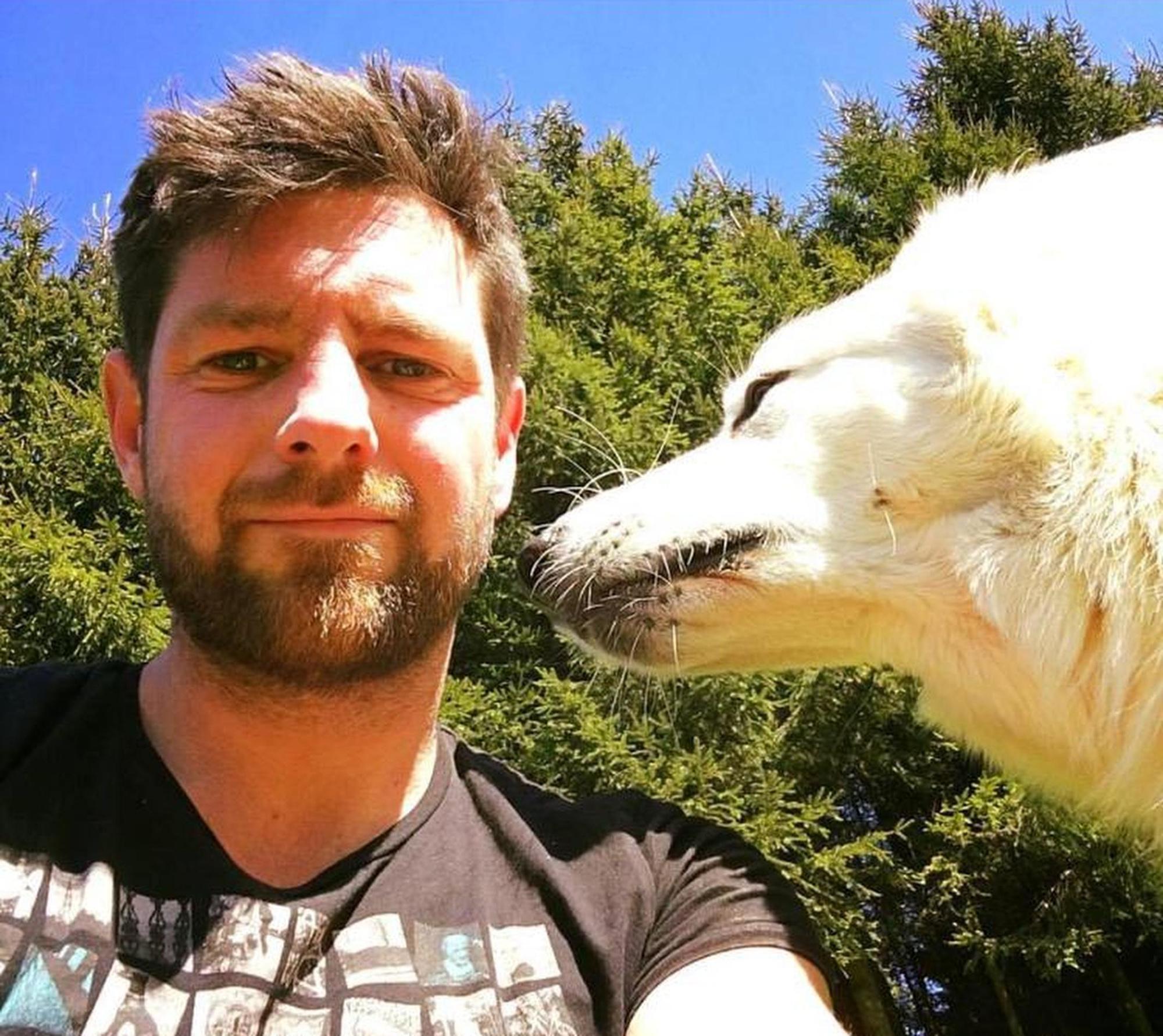 Chris Dobbels, samen met zijn trouwe viervoeter Flake.