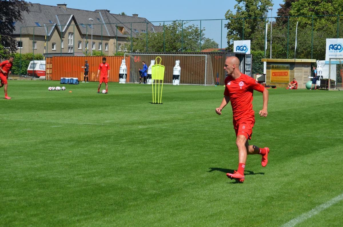 Eerste zomertransfer van KV Kortrijk Gilles Dewaele: