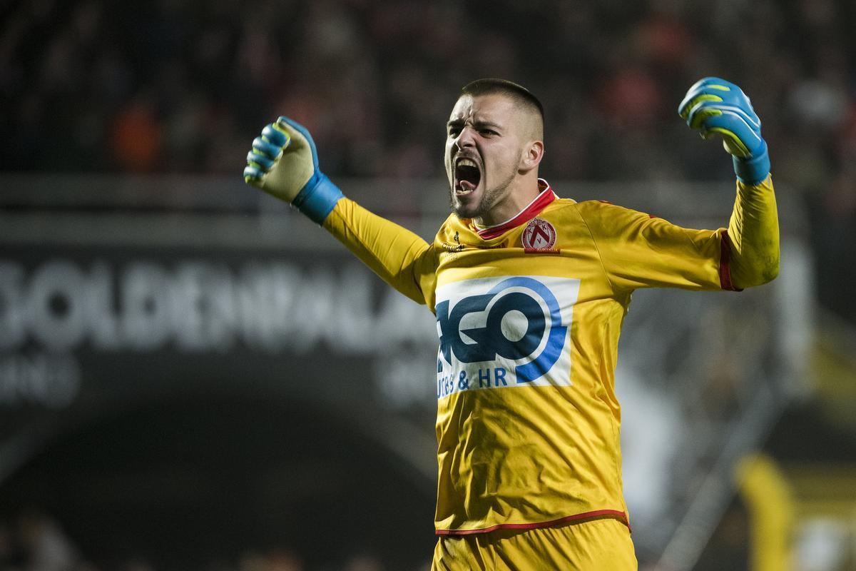 KV Kortrijk huurt Adam Jakubech opnieuw: