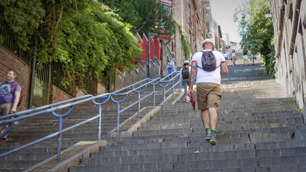 The Huffington Post, een Amerikaanse nieuwswebsite, zette de Montagne van Bueren op de eerste plaats van de lijst met de meest extreme trappen ter wereld.