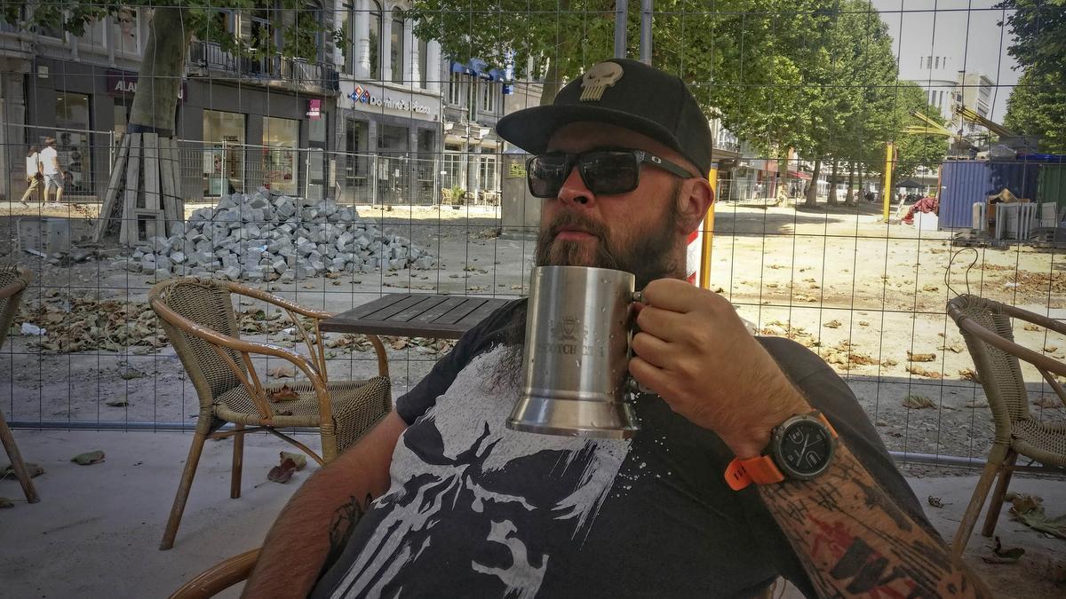 In Verviers drink je nog bier uit een metalen beker en waan je je een viking.