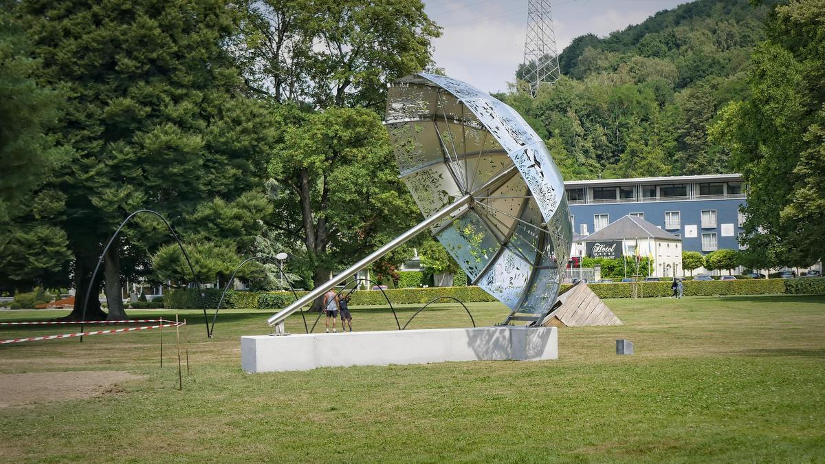 Parc Hauster is de thuisbasis van de grootste paraplu van het land.