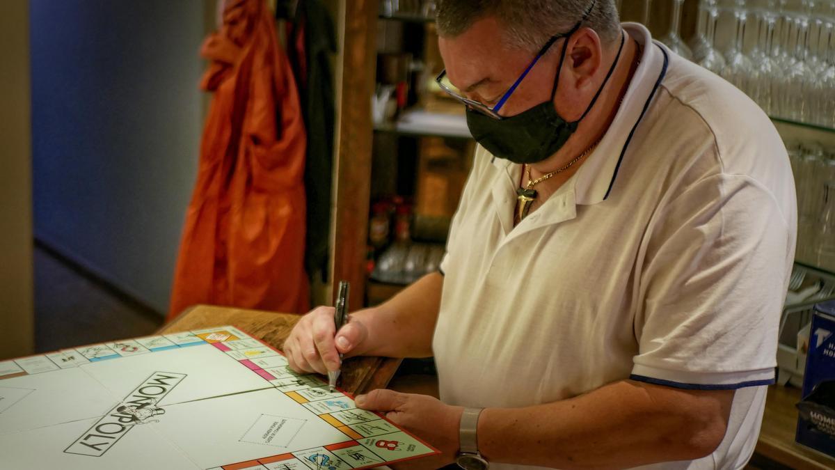 In Knokke-Heist tekent ook de patron van Carolus ons bord.