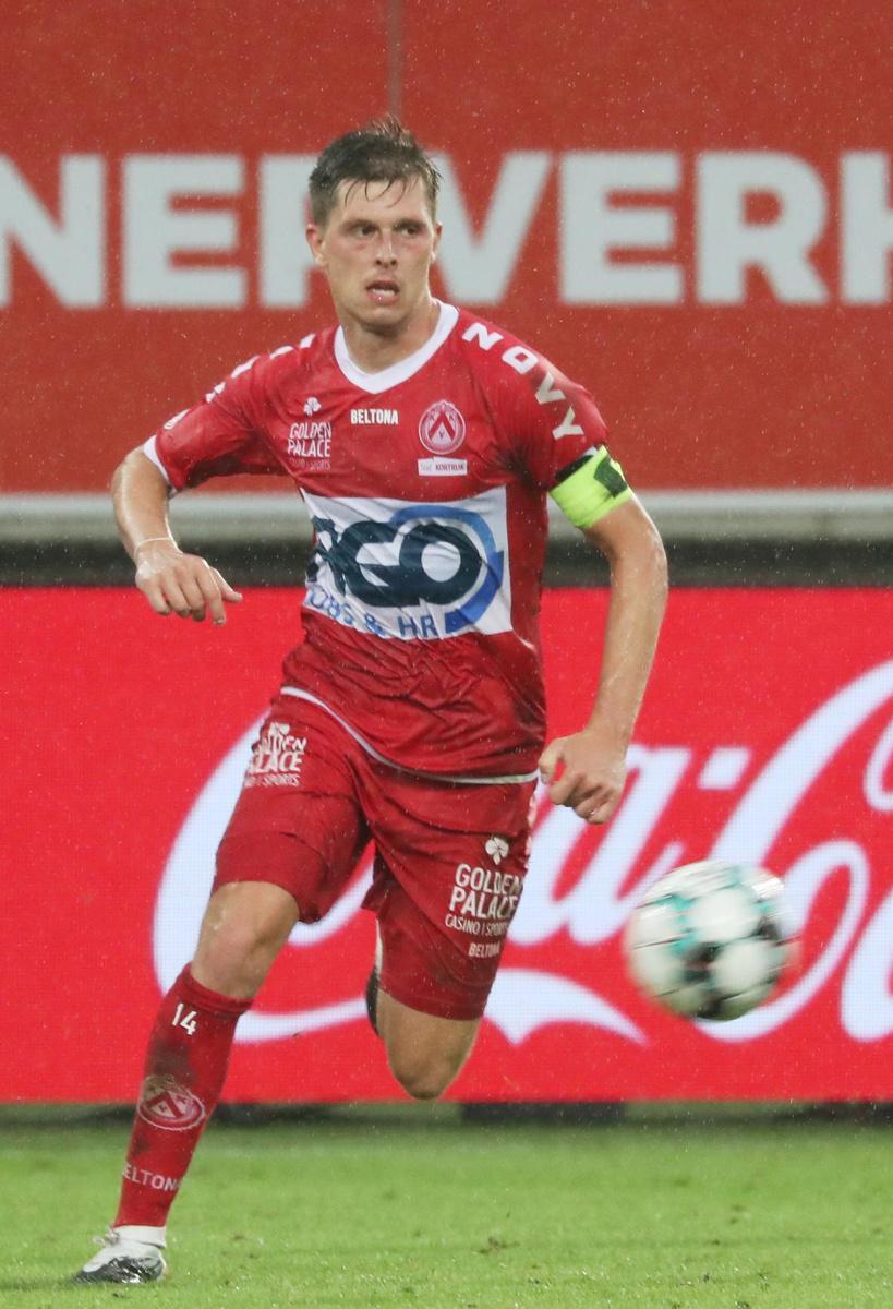 KVK-kapitein Van Der Bruggen kijkt door de 1 op 9 heen: