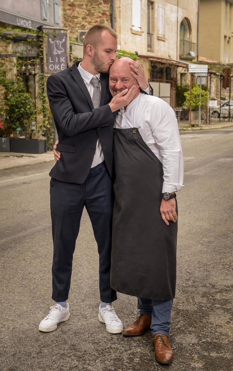 Piet en zijn zoon Cyriel. Vorig jaar nam die de leiding over van restaurant Likoké, in het Zuid-Franse dorpje Les Vans.