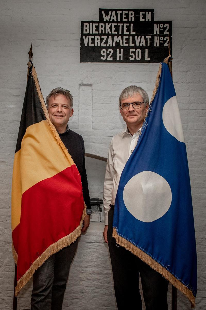 Steve Vandenberghe en Patrick Lansens, de burgemeesters van de laatste rode bastions van West-Vlaanderen.