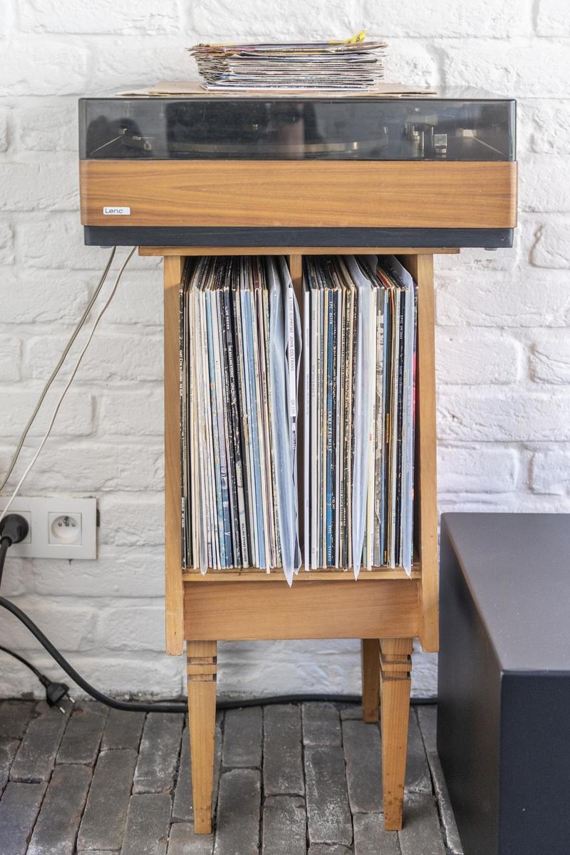 Vinylplaten laten Loebe 'anders' luisteren naar muziek.