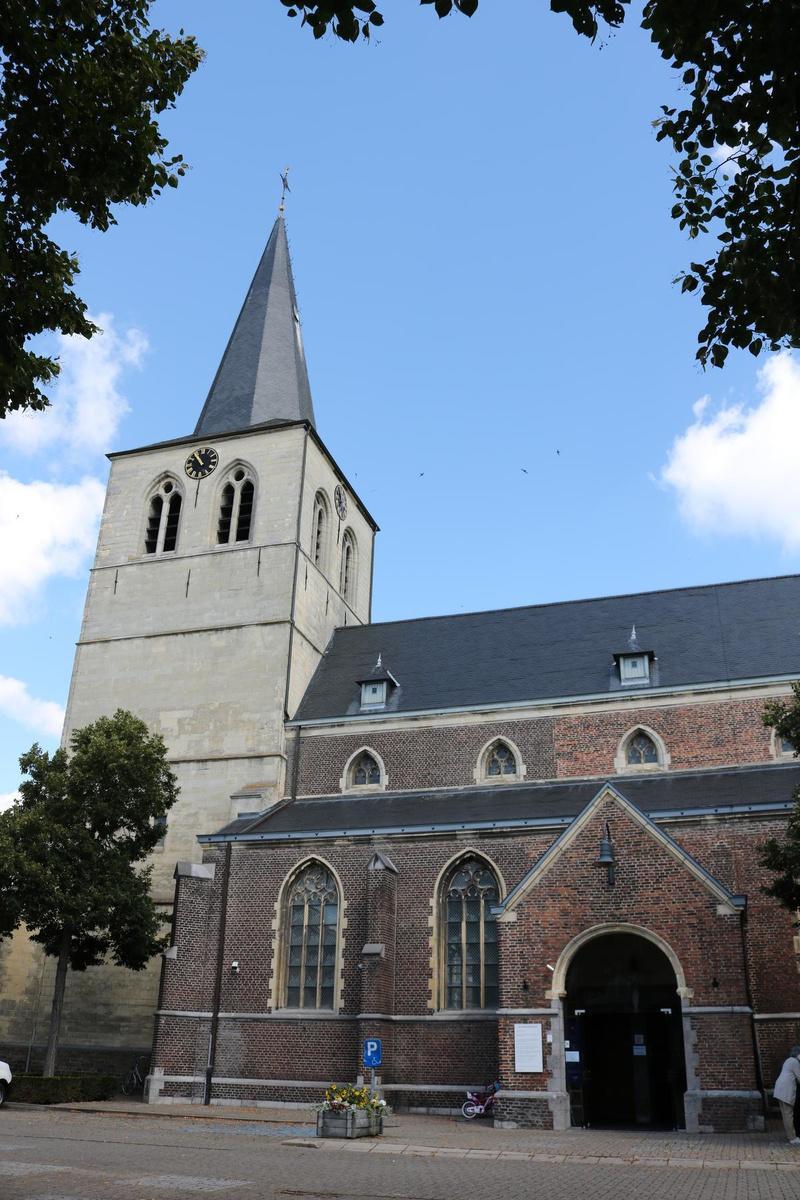 De kerktoren van Bocholt.
