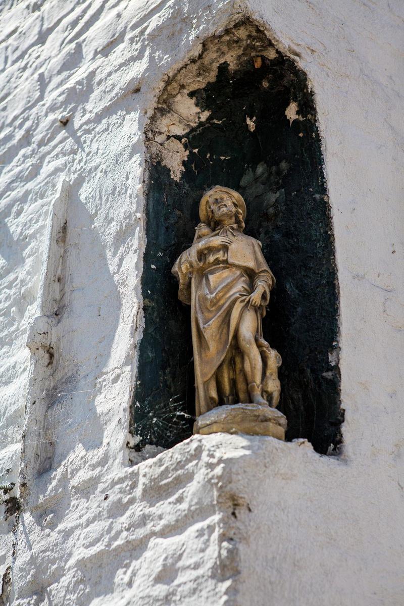 Sint-Rochus, die werd aangeroepen als bescherming tegen de pest.