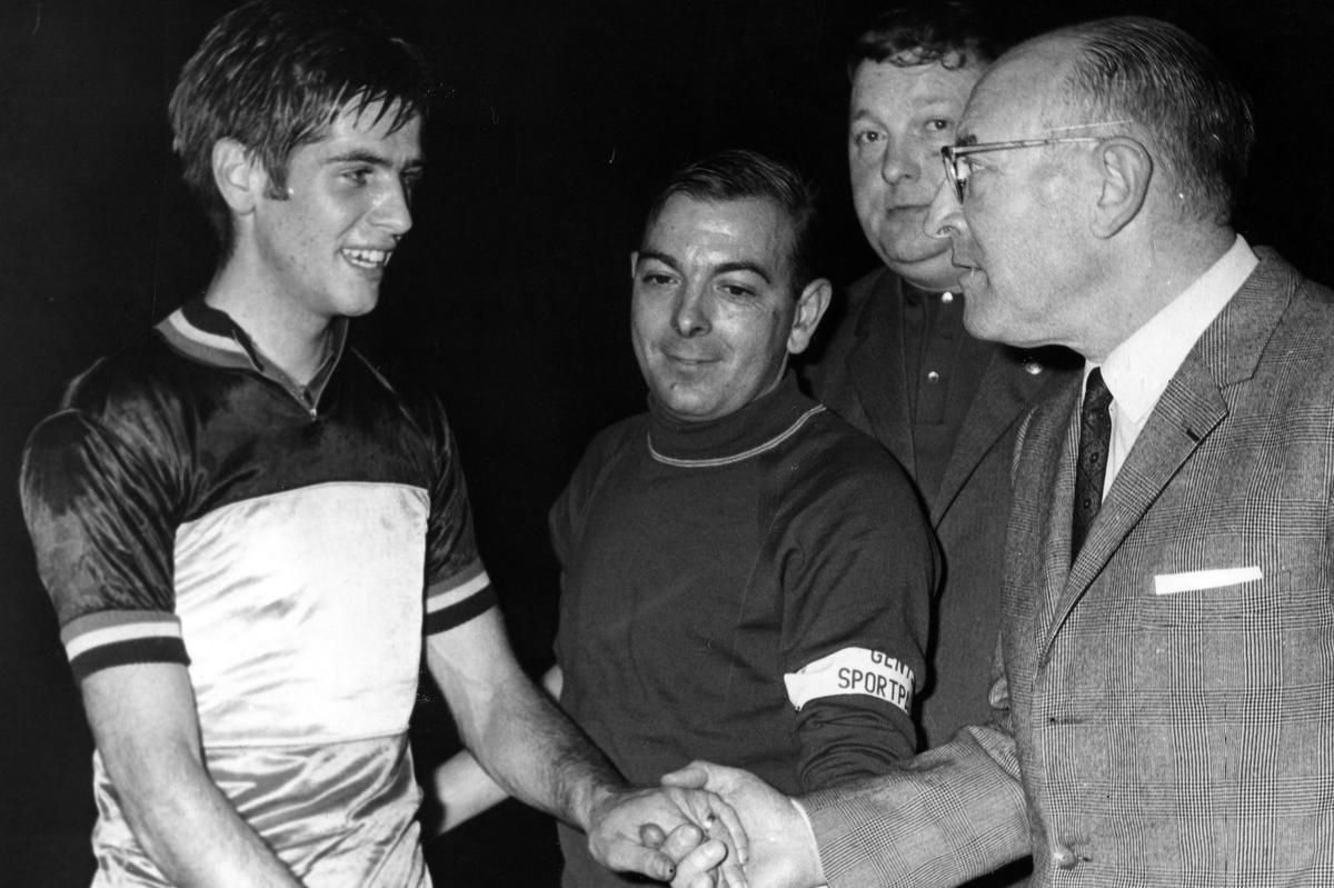 Jean-Pierre Monseré (links) tijdens het BK Omnium in 1969. (foto Belga)