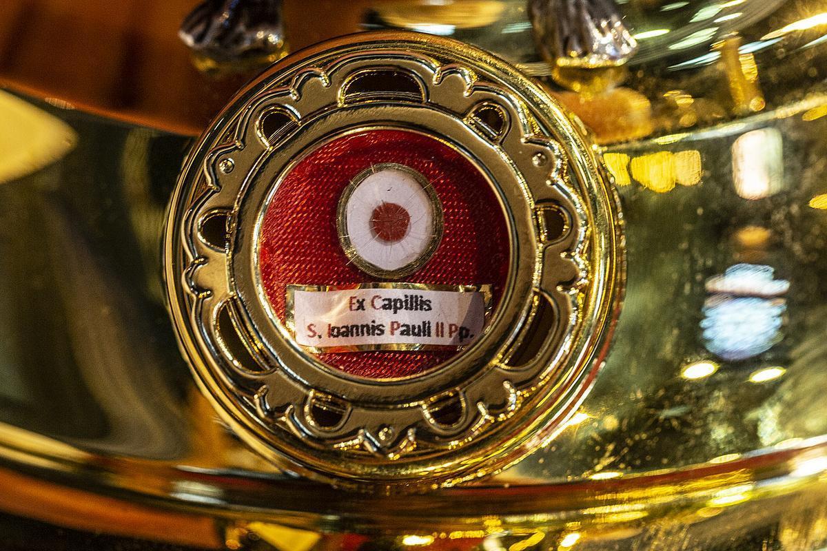 Enkele haartjes van paus Johannes Paulus II.