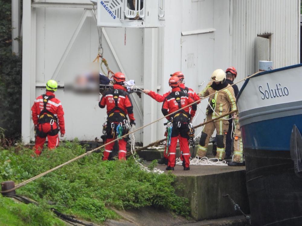 Arbeider valt vijf meter naar beneden in binnenvaartschip in Beernem