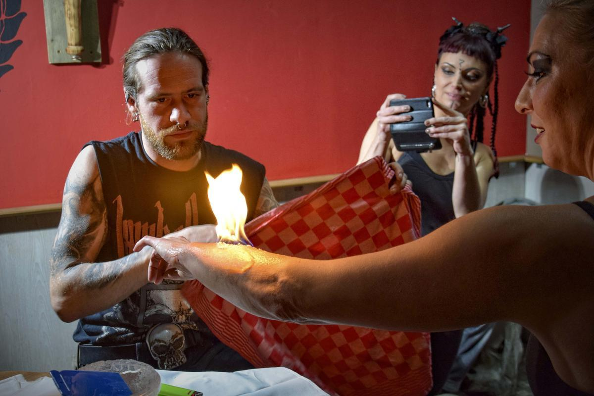 Flor Expeels is een levende legende in de wereld van de pyrotechniek. (gf)