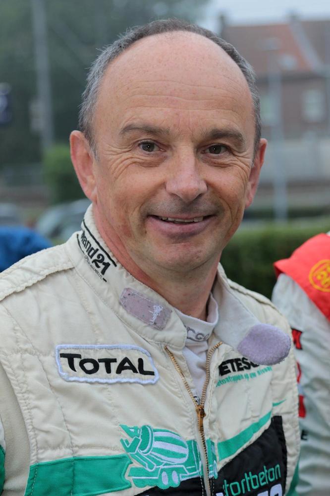 Julie Vanwijnsberghe navigeert haar pa Didier in 6 Uren van Kortrijk