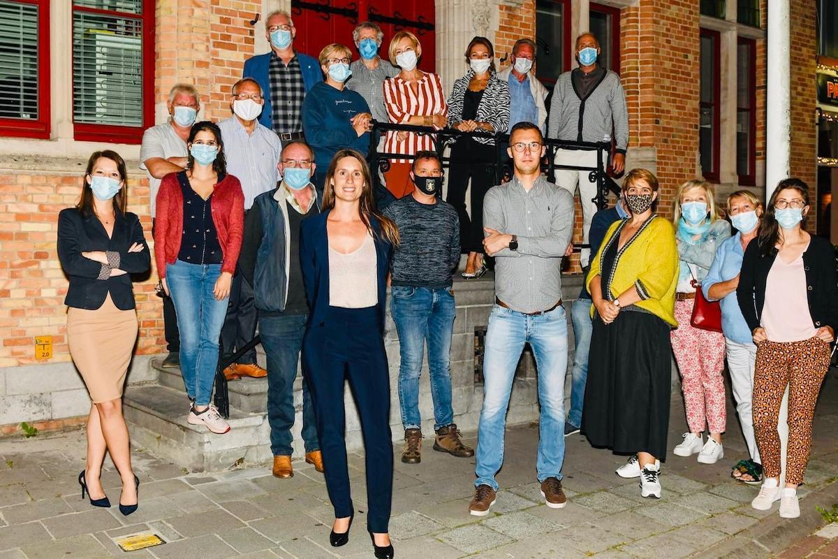 Samen met de andere bestuursleden en raadsleden gaat het nieuwe voorzittersduo volop voor de Bruggelingen en hun geliefde stad.