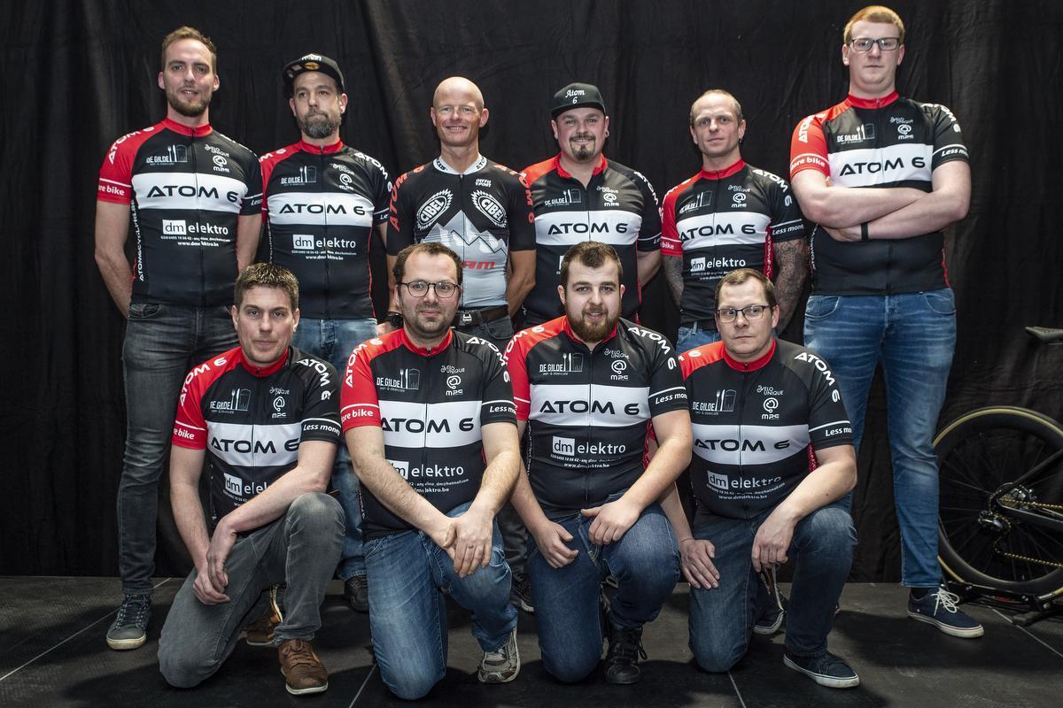 De mountainbikers van Cycling Team Atom 6.