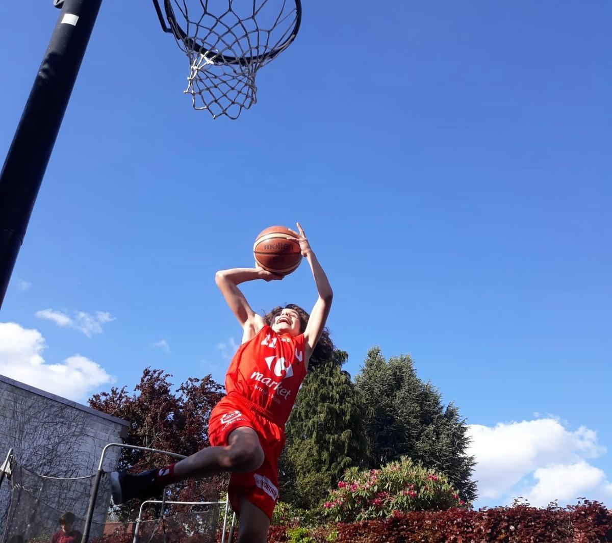 U12 Kortrijk Spurs wint eerste wedstrijd Virtual Games Cup