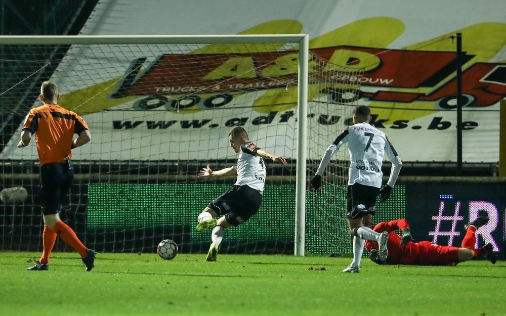 Naessens scoorde de 1-0.