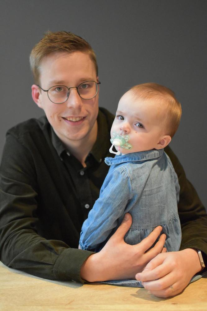Karel Deprez met zijn dochtertje Bo.