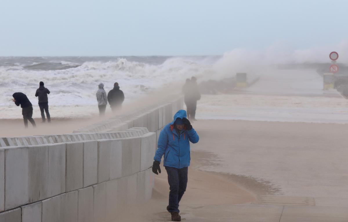 Storm Odette neemt in de loop van zondag in kracht af