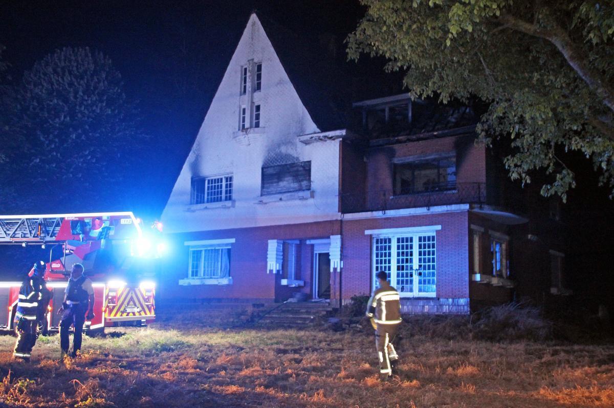 Uitslaande brand in Sint-Denijs wellicht aangestoken