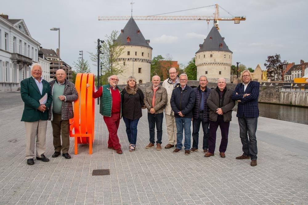 André Vandenbroucke verzamelde al enkele oud-leerlingen zoals Donald Fraeyman, Paul Delplancke, Lorna Bostyn, Luc Claerhout, Didier Maes, Freddy Vansteenkiste, Gino Bohez, Toon Claerhout en Johan Sergyssels .