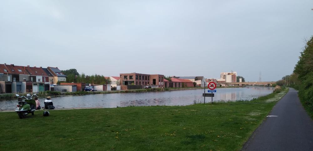 Zwemmen in het kanaal Bossuit-Kortrijk is verboden.