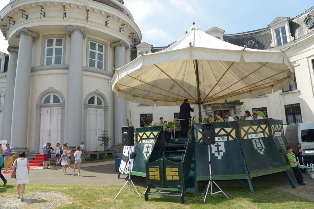 Isotopia wordt blijven ondersteund door de stad. De toelage voor de Vlaamse feestdag wordt dan weer verdubbeld.