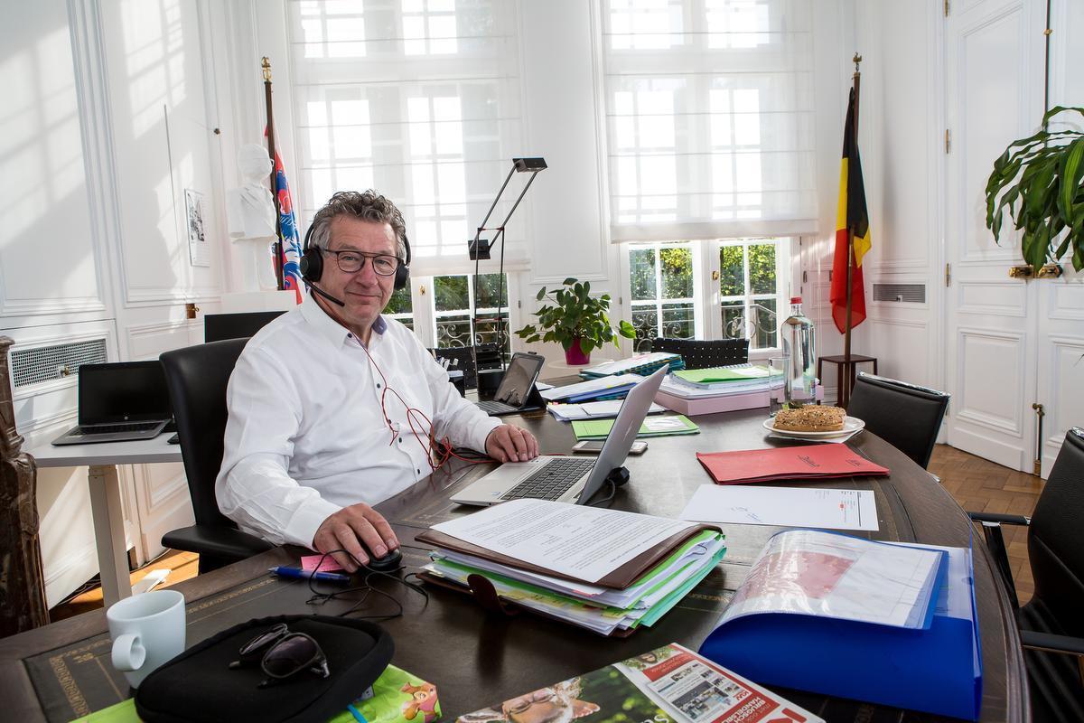 Brugse burgemeester is woedend omdat Unizo zich kant tegen verkeersvrije straten