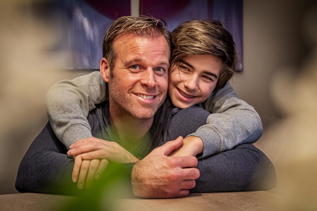 Nicolas Liébart met zoon Liam (13):