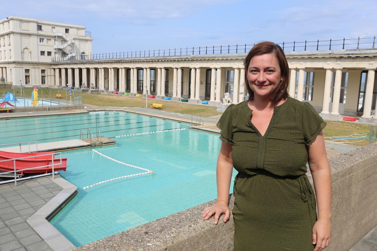 Sofie Defever wil het buitenzwembad behouden.