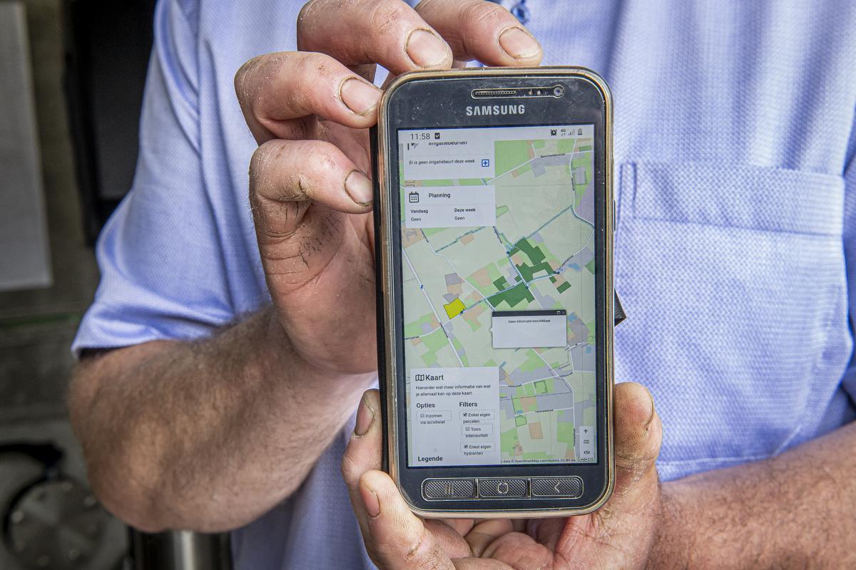 Via een app kan de landbouwer water reserveren.