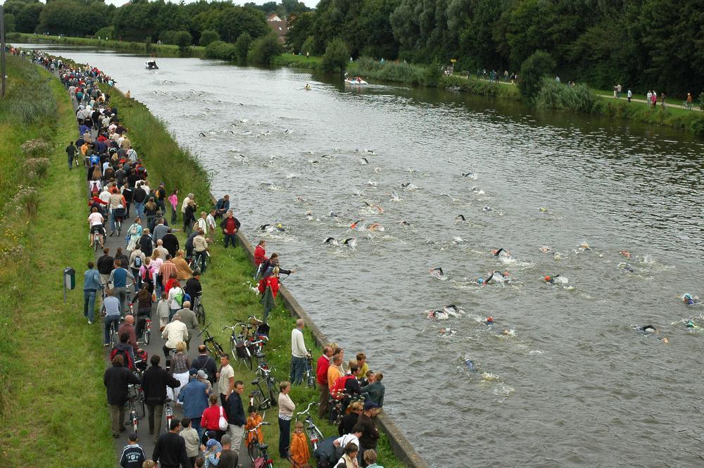 Wel degelijk TRIatlon in Izegem: zwemgedeelte in De Gavers