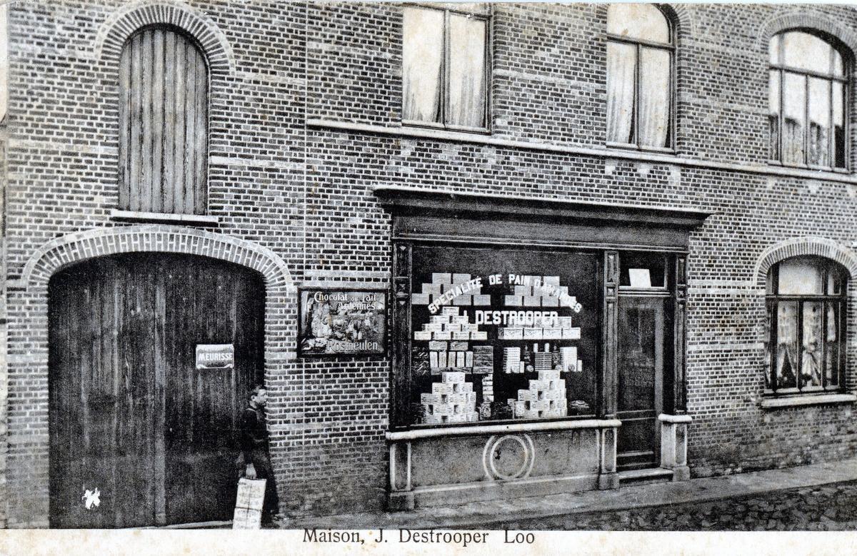 Een foto uit de oude doos: het winkeltje van Jules Destrooper in de Hogebrugstraat.