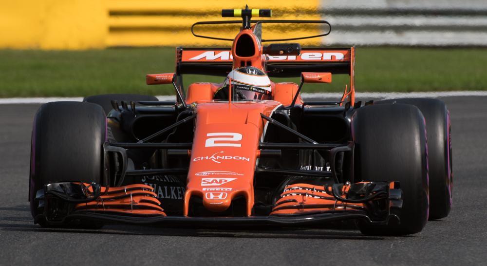 Vandoorne in zijn McLaren Honda van vorig seizoen. Voor 2018 gaat McLaren in zee met Renault. (Foto Belga)