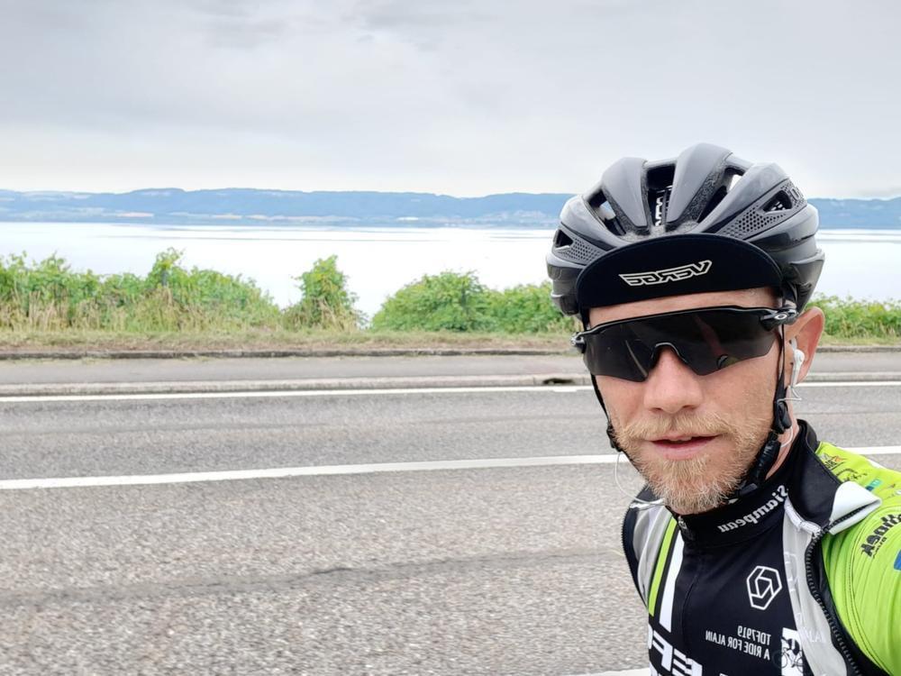 A ride for Alain (15): Een lange dag in het zadel met wat kniepijn