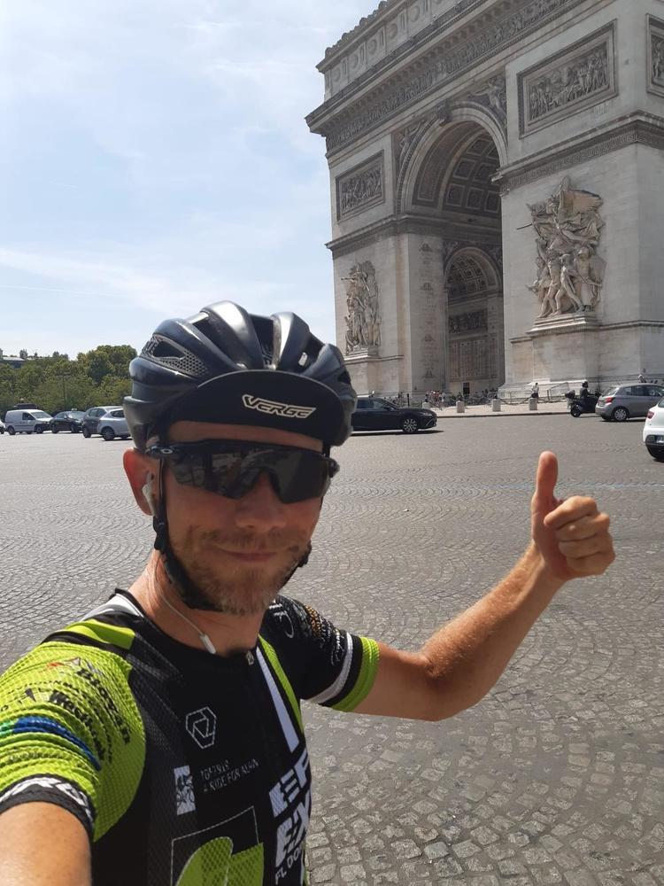 A ride for Alain (25): Aangekomen in Parijs, deze is voor jou pa!
