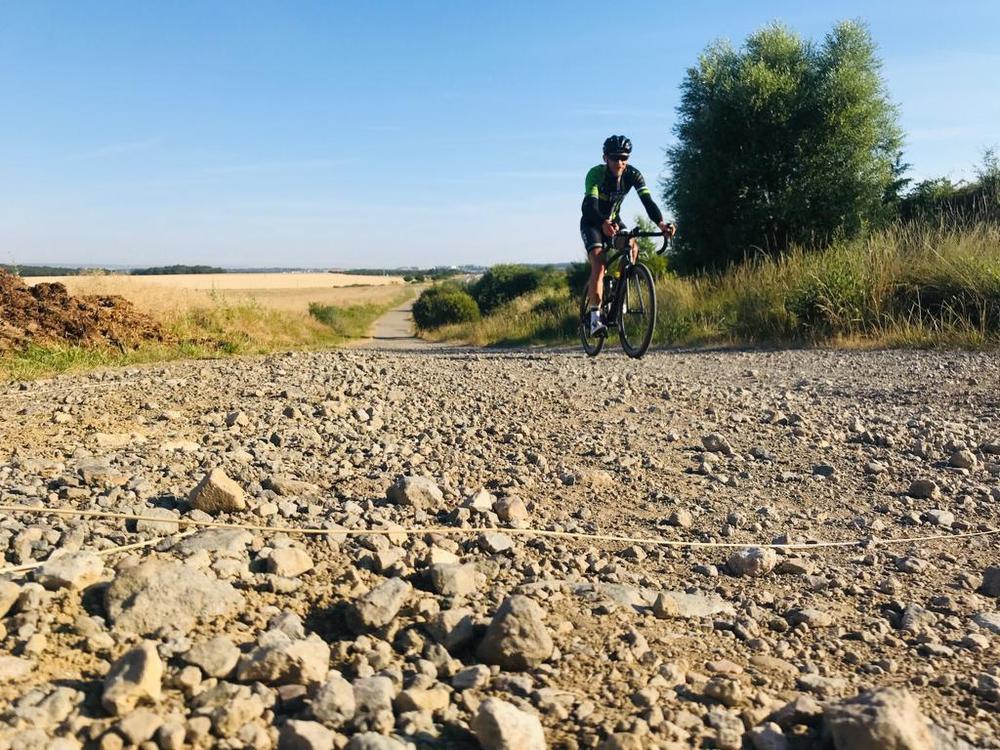 A ride for Alain (14): Mentaal gevecht tegen mezelf en vloeken op de Franse wegen
