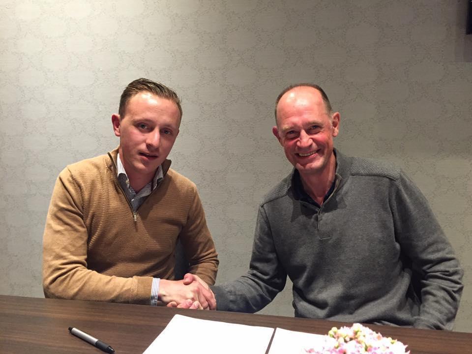 Daan Van Gijseghem zette zijn krabbel bij sportief coördinator Guido Vanden Abeele.