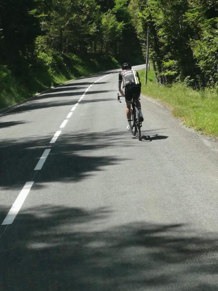 A ride for Alain (2): Daar zijn de bergen al!