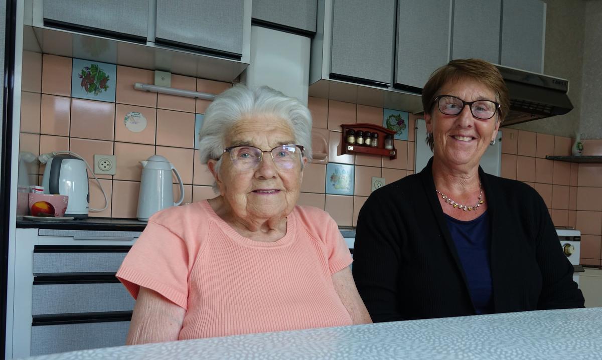 Simonne Opsomer en Rita Dejaegere.